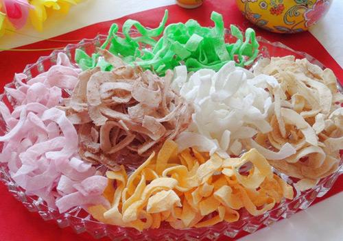 Mứt dừa ngũ sắc thơm ngon độc đáo